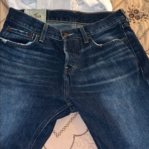 I am selling some Hollister jeans BRAND NEW